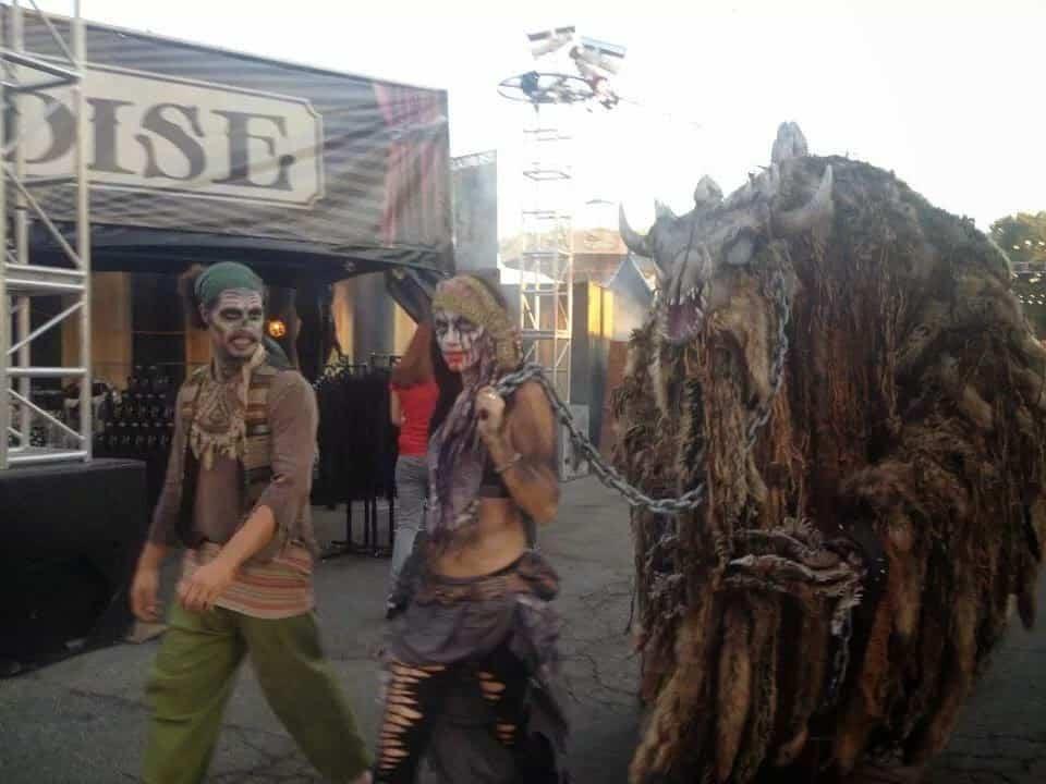 Dark harbor Halloween Actors