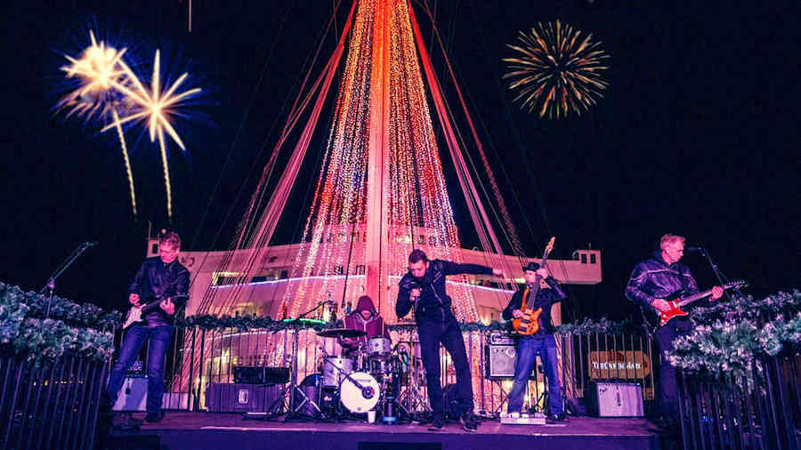 Queen Mary New Year's Eve band