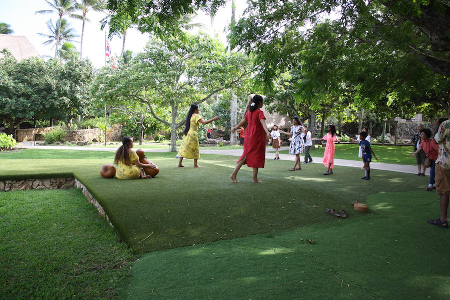 things to do at polynesian cultural center - learn how to hula