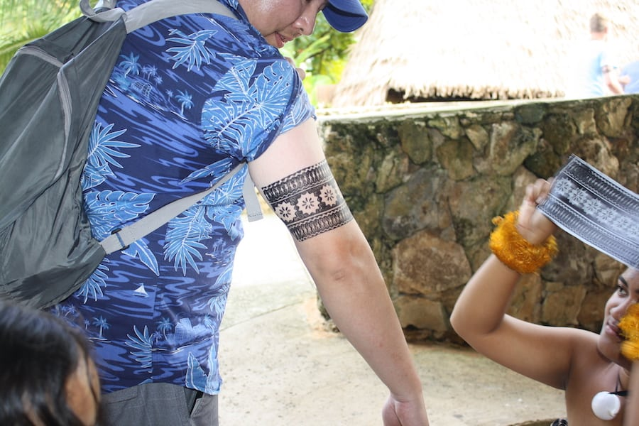 things to do at polynesian cultural center - get a tattoo