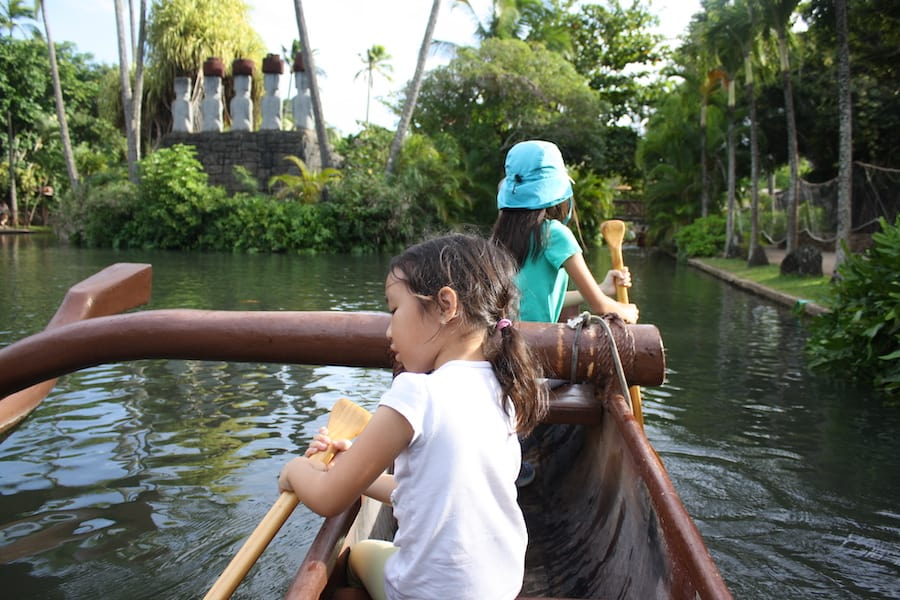 things to do at polynesian cultural center - paddle a canoe
